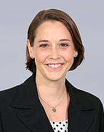 Dr. Julia Hassing